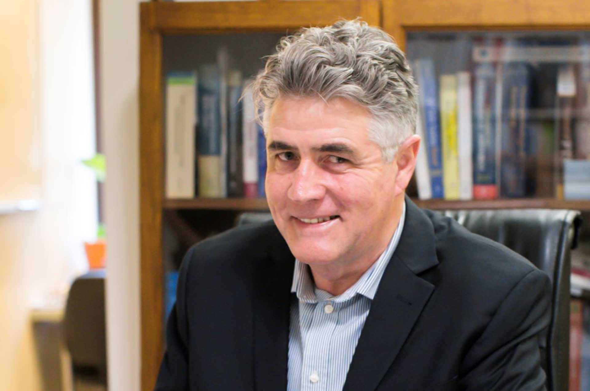 Dr John Kearney