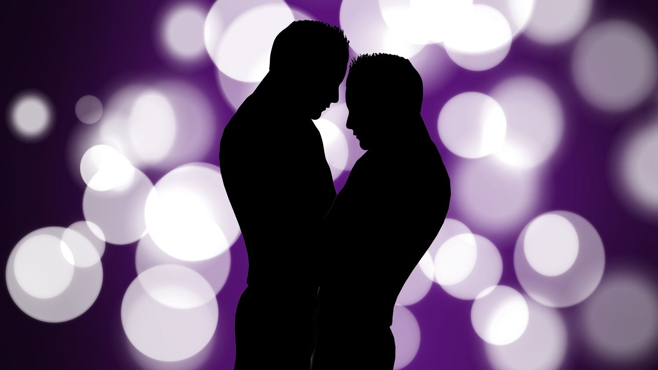 couple silhoutte lights crystal meth ghb chemsex dangerous epidemic hook up culture